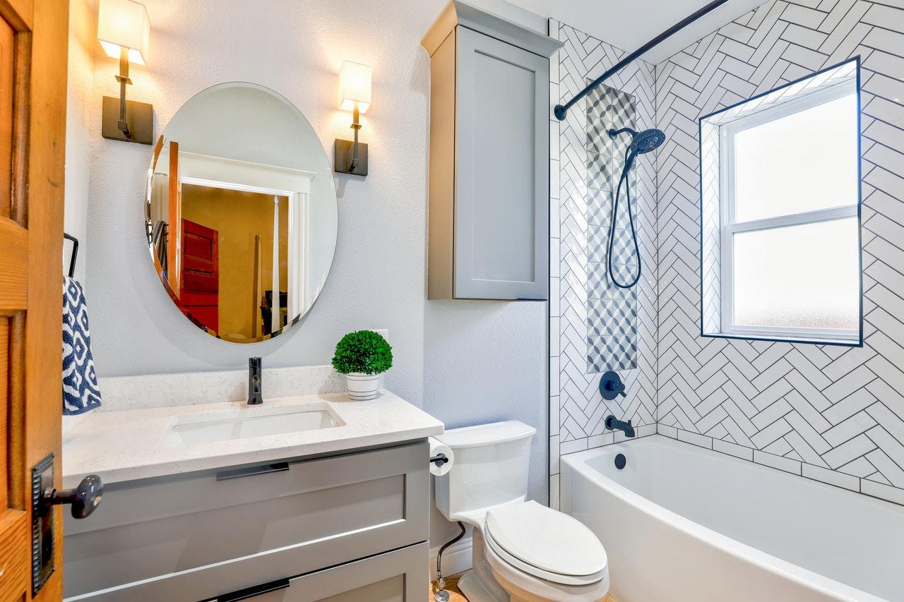 Redo Your Bath on a Budget: Insider Home Design Hacks