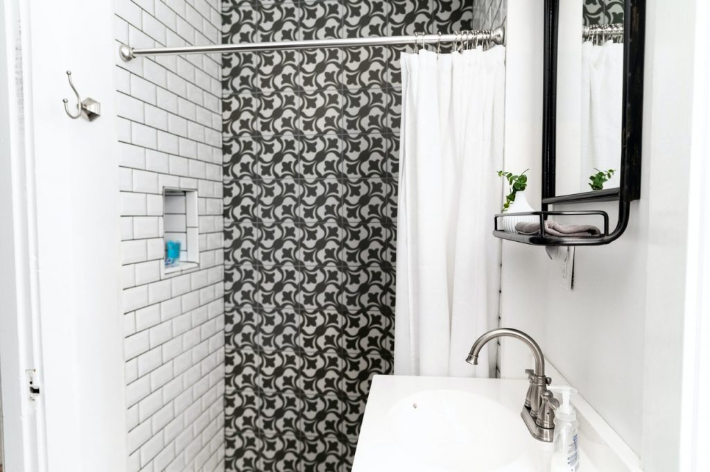 Which tile is best for your bathroom | Blog 305 Florida Contractors